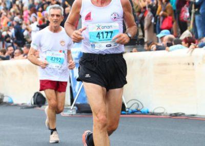 Derguar Nikolin Dionisit Logo Federates Maratona Athines finish